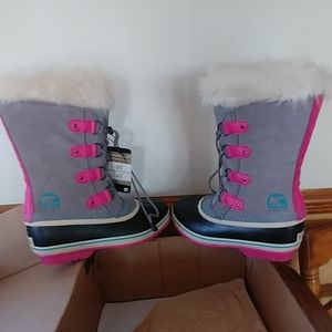 Sorel boots youth 6